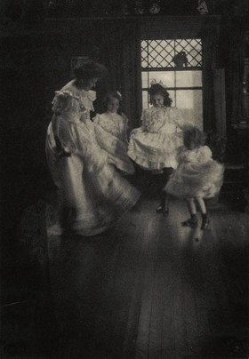 The Commons dancing children