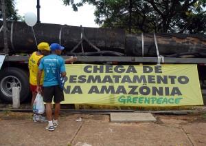 1200px-Greenpeace_protest_in_Brasilia