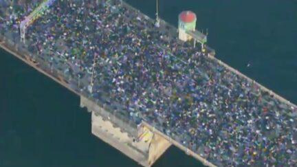 Thousands Occupy Portland Bridge Laying Down to Simulat George Floyd Death