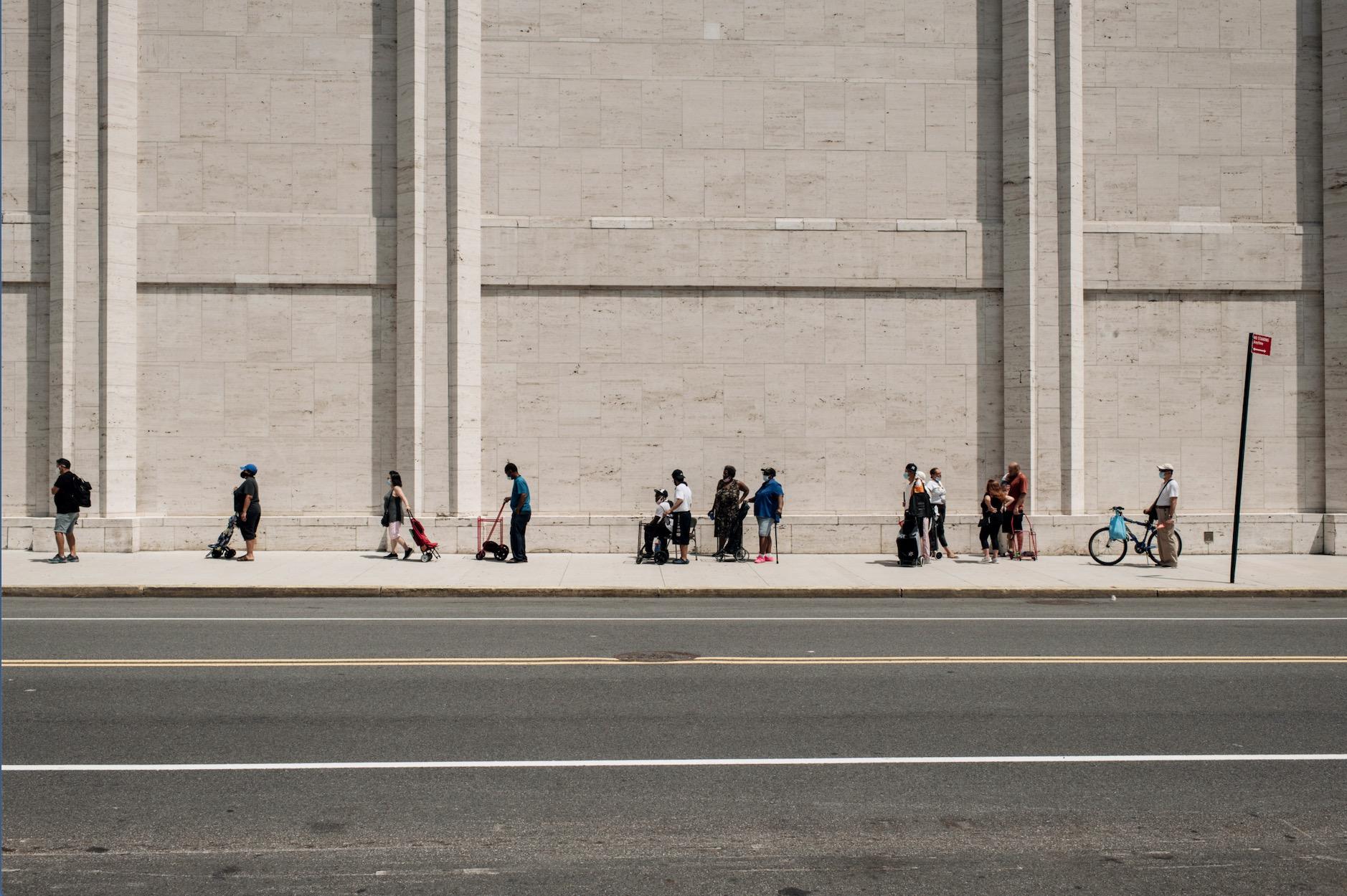 Food Bank Line Scott Heins/Getty Images)