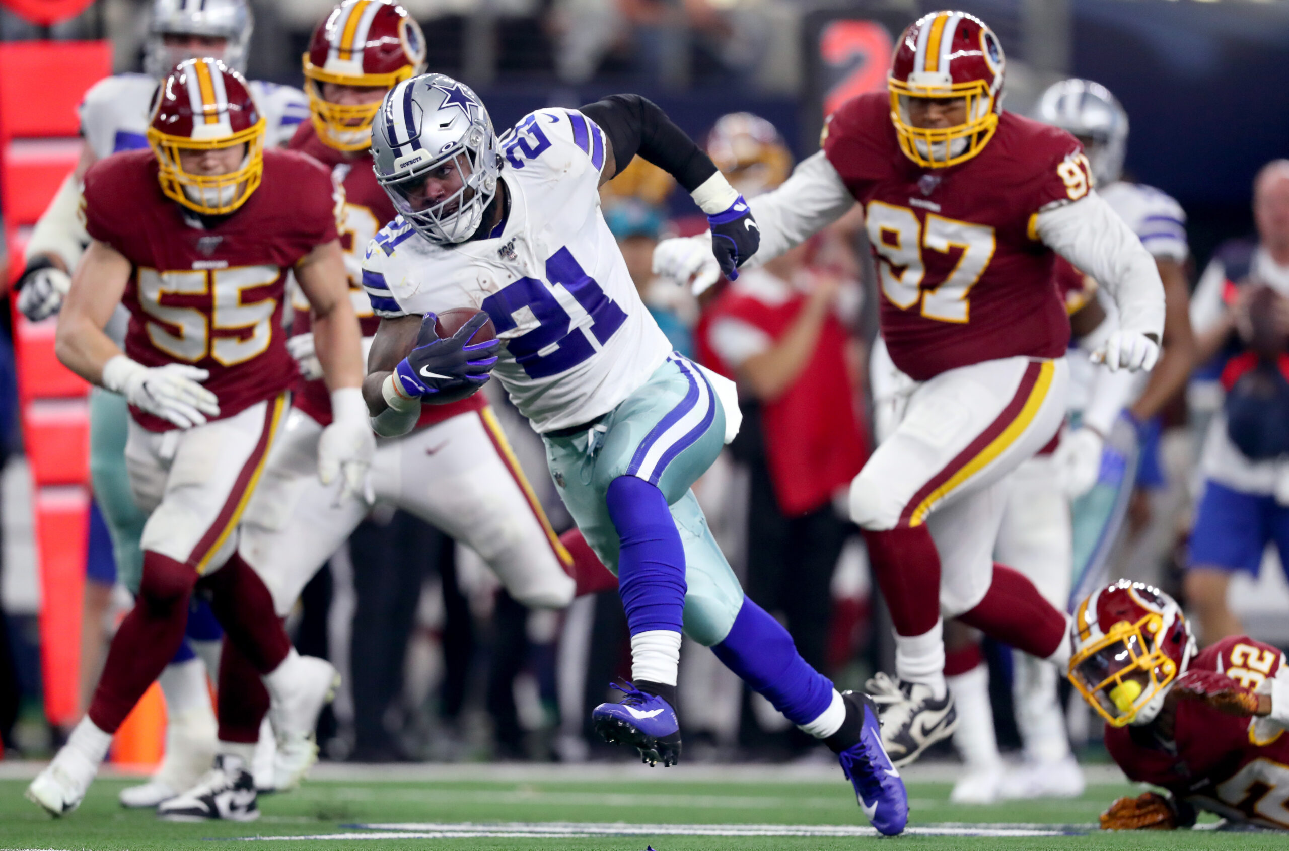 Cowboys lead Washington, 10-7, in first quarter