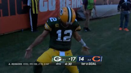 Aaron Rodgers taunts Chicago Bears fans
